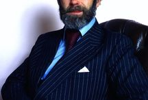 Almanach de Saxe Gotha - HRH Prince Michael of Kent / Prince Michael of Kent GCVO (Michael George Charles Franklin; born 4 July 1942) is a cousin of Queen Elizabeth II, being a grandson of King George V and Queen Mary. Prince Michael occasionally carries out royal duties representing the Queen at some functions in Commonwealth realms outside the United Kingdom.
