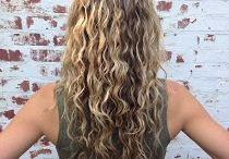 Curly Hair / by Erika Klemp