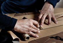 """Hand Made / L'espressione di un'accurata lavorazione artigianale che unita a quello stile ed a quella inconfondibile eleganza """"made in Italy"""", rende ogni prodotto """"un'opera d'arte di uso quotidiano""""."""