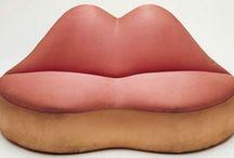 Canapé en forme de bouche