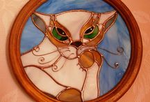 Cats / Здесь собраны фотографии моих работ в технике Тиффани и фьюзинг с изображением котов. Here I will post a photo of my works made of glass.