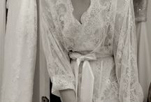 Lace Robe / Dressing gown / Something beautiful to wear whilst getting ready on your wedding morning