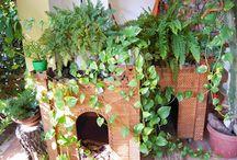 Cucce per cani ecologiche e di design -ecological and design doghouses for dogs-casetas de perro / Cucce per cani ecologiche e di design. Vuoi una cuccia personalizzata in legno, ecologica e di design accurato adatta ai tuoi spazi? Contattami sul blog e troveremo la soluzione piu' adatta per te e il tuo cane.