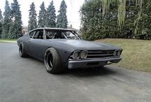 awesome cars / by Mitchell Pettijohn
