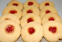 Sweet Baking & Desserts / Cakes, biscuits, scones, etc / by Maria Wilkins
