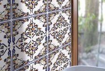 """CAS Ceramica und KerBin - Autentische Keramik Artesanal Made in Spain / Artesanal warum in die Ferne schweifen wenn das Gute ist so nah - spanische Keramikmotive von CAS, oft auf diversen websites als """"orientalische"""" - """"tunesische"""" oder sonstige """"nordafrikanische"""" Keramik bezeichnet zu erschwinglischen Preisen bei KerBin in Rösrath bei Köln. Kombiniert mit einer """"modernen"""" Fliese erzielt man tolle Ergebnisse. Originalmuster in unserer Ausstellung"""