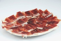 NUESTROS PLATOS / Materias primas de primera calidad para elaborar una cocina mediterránea en un entorno único