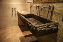 Badkamers / Bijzondere Badkamers door gebruik te maken van mooie natuursteen producten. Ook meubels op maat!