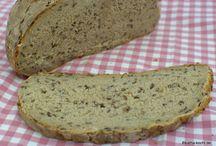Brot und Brotähnliches / Essen Brot
