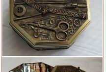 Caixas metalizadas