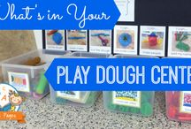 PLAYDOUGH PLAY