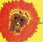 Footprint craft for kids / this page has a lot of footprint crafts for kids,parents and teachers