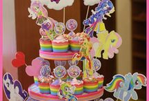 Lunetta Cupcake Tower / This is our specialty.