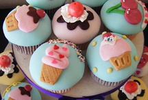 wish i could bake...oh well cupcake lover!