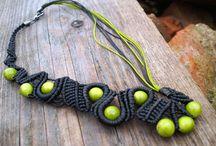 macrame with beads LinArt / Asymetria, ceramika, drewno i sznurek.