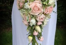 Shower bouquets / Collection of shower teardrop bouquets for brides