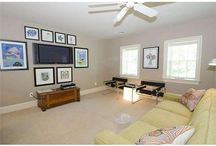 Decorating Ideas / Home decor, paint colors, home staging, how to paint, hanging pictures, home makeover.