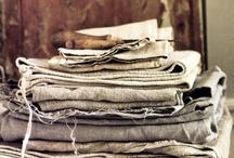Fabrics & Linnen / by Christine Meintjes