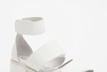 Anne ayakkabıları