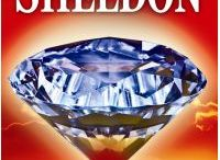 """Sidney Sheldon / Román / Thriller, napětí. SIDNEY SHELDON patří mezi nejúspěšnější americké autory. Za scénář k filmu """"The Bachelor and the Bobbysoxer"""" získal Oscara, a je rovněž držitelem ocenění Emmy. Napsal 18 knih, jejichž kopií se prodalo více jak 300 milionů kusů. Zemřel v roce 2007 na zápal plic."""