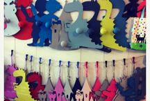 Univers Enfant / A découvrir, des messages de porte haut en couleurs de fabrication française de la très belle marque Sophie Janière.