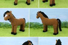 AMIGURUMI ló