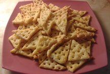 krekry, chipsy