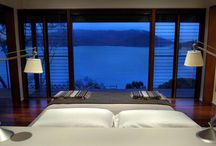 Amazing bedroom views inspirations / Here are some amazing examples of bedrooms with an incredible view.