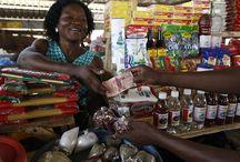 Coopec Sifa / COOPEC SIFA est une IMF togolaise créée afin d'institutionnaliser le projet mis en place par le JARC (Mouvement des Jeunes et Adultes Ruraux et Catholiques) dans le but de proposer des petits prêts aux femmes pauvres vivant dans le nord du pays. Pendant la phase de projet, les activités de microcrédit de l'institution ont été caractérisées par une orientation sociale forte et une certaine prudence qui a limité le développement opérationnel de l'institution. ©Philippe LISSAC