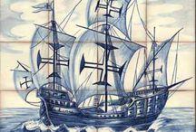 Azulejos bateau boat tile / Azulejos sur un thème maritime avec des scènes avec des bateaux en pleine mer, des représentations de port ou des galions, navire, bateau à voile
