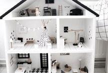 Miniatures & dollshouses