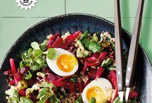 Allerhande magazine mei 2018 - Saladebar / Met de zomer in aantocht willen we weer lichter eten en borrelen in de tuin. En barbecueën, dat willen we ook. Inclusief borrelhapjes, mocktails en natuurlijk een saladebar.