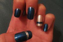 Unghie blu argento
