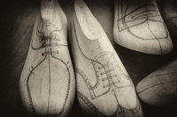 Shoemaking around the World / Shoe making is alive and well around the world. Learn to make shoes at the Chicago School of Shoemaking