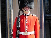 queens guard costume