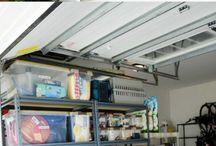 Gode løsninger i garasjen: / Etter kjøp og montering av garasjeport fra Warport kommer løsningene inni garasjen. Sett ditt preg på garasjen med gode løsninger.