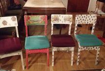 Decopage Stühle / Alte Stühle die früher grün Braun waren mit Decopage Technik wider neu. Aus einem alten kleid habe ich Stoff genommen und die Sitze mit Tacker überzogen