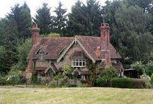 My dream home!  Cottages / by Amanda Davis