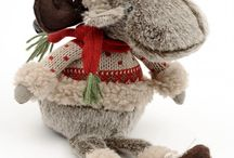 Christmas Cuddly Toys / Reindeers, Santa and Snowmen soft toys!