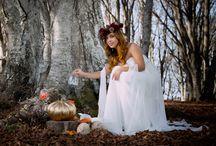 Fairy Wedding / Inspiration Wedding Shoot -  LOCATION: Riserva Naturale di Canfaito, Marche - Italy. L'inspiration shoot che vogliamo condividere ricrea un'atmosfera surreale propria del luogo incantato di Canfaito, immaginando una sposa come una fata, che piano piano prende forma e si fonde nell'essenza dei faggi secolari, delle foglie catturate come per magia in bolle di vetro sospese nell'aria.