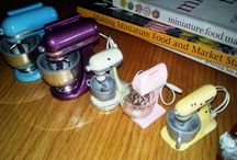 Miniature dollhouse mixers. Most are 1:12 scale.  / Love dollhouse kitchens! Especially the tiny appliances!