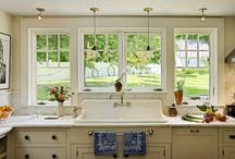 Exceptional Kitchens / Kitchen designs and why they work. From lighting to layout, open concept to non-traditional.