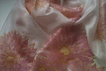 Pañuelitos / Foulards de seda natural pintados a mano