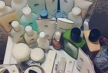 GALVANIC BODY SPA / ageLOC Galvanic Body Spa:  • Superficie conduttiva ageLOC ® - presenta una maggiore superficie conduttiva brevettata ageLOC®, in grado di offrire fino a 10 volte più ingredienti ageLOC® alla vostra pelle. • La corrente galvanica pulsante ottimizzata contribuisce a stimolare la pelle, ne agevola la purificazione e il rinnovamento e aiuta a ridurne i segni visibili dell'invecchiamento.
