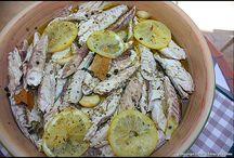 Alimenti sott'olio, sotto sale e dado vegetale.e di carne