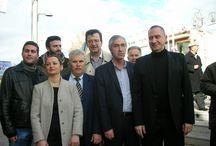 26-1-2014 στη Δημ.Τ.Ο.Αιγάλαιω  / Στις 26-1-2014 πραγματοποιήθηκε η εκδήλωση κοπής πίτας, καθώς και τα εγκαίνια, στη Δημ.ΤΟ Αιγάλεω. Στην εκδήλωση παραβρέθηκαν ο Γραμματέας της Β3 ΝΟΔΕ και Πρόεδρος της Δημ.Τ.Ο. Πετρούπολης Κωνσταντίνος Χριστόπουλος καθώς και τα μέλη του Δ.Σ, Κιού κης Πέτρος, Αποστολόπουλος Γιώργος, Αδαμόπουλος Σωτήρης, Μπουλάς Απόστολος, Αννέτα Εντζερίδου, από την ΟΝΝΕΔ ο Κοντός Γεώργιος καθώς ο Καραφωτιάς Θεοφύλακτος. Επίσης οι υπεύθυνοι τομέων της Β3 ΝΟΔΕ  Κων/να Καραθάνου, Χατζηκωνσταντινίδης Μιχαήλ.