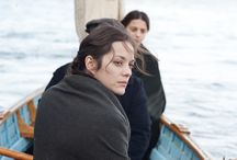 The Immigrant / Ewa Cybulski (Marion Cotillard) and her sister sail to New York from their native Poland in search of a new start and the American dream. When they reach Ellis Island, the two women are separated and Ewa quickly falls prey to Bruno (Joaquin Phoenix), a charming but wicked man who takes her in and forces her into prostitution. The arrival of Orlando (Jeremy Renner) - a dashing stage magician who is also Bruno's cousin - restores her self-belief and hopes for a brighter future.