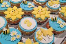cupcakes a plenty