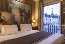 HOTEL LE WALT / Situé à quelques pas de la Tour Eiffel et des Invalides, l'Hôtel Le Walt vous convie à découvrir le quartier du 7ème arrondissement. Une situation idéale pour les amoureux des arts et des balades romantiques. Le Walt est un hôtel d'artiste peintre passionné, où classique et contemporain se rencontrent