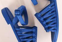 sandalias y zapatos de moda
